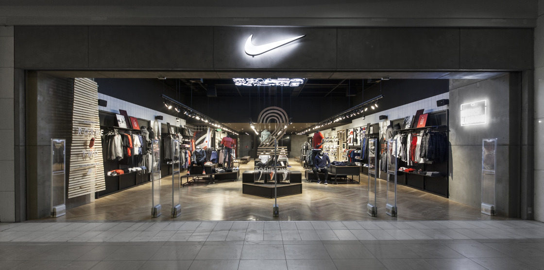 locales nike chile